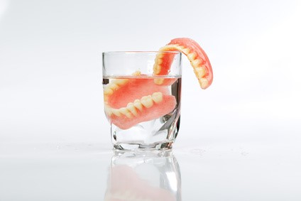 5 signs that your denture needs to be changed